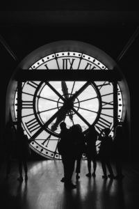 5 essential tips for planning your next vacation / inside musee d'orsay